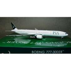 PIA B777-300 ER, scale 1:400, phoenix reg # AP-BMS
